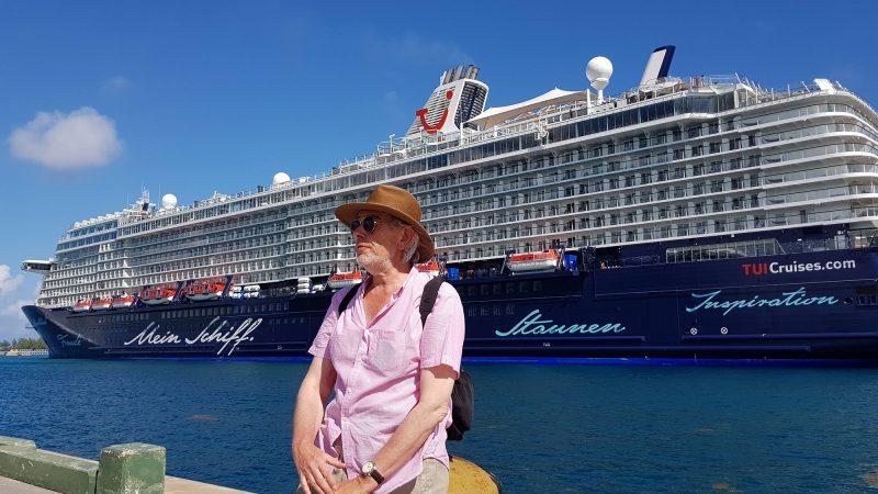MS6-Nassau-Pier-2000.jpg